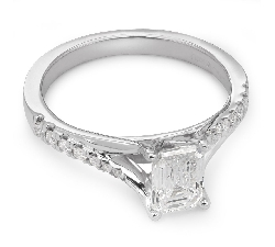 "Engagement ring with diamonds ""Grace 34"""