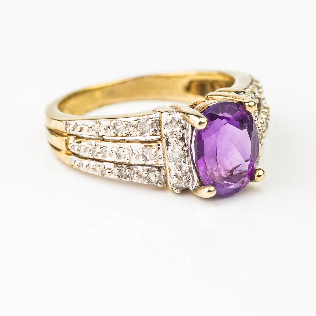 """Auksinis žiedas su Brangakmeniais """"Alyvinis"""""""