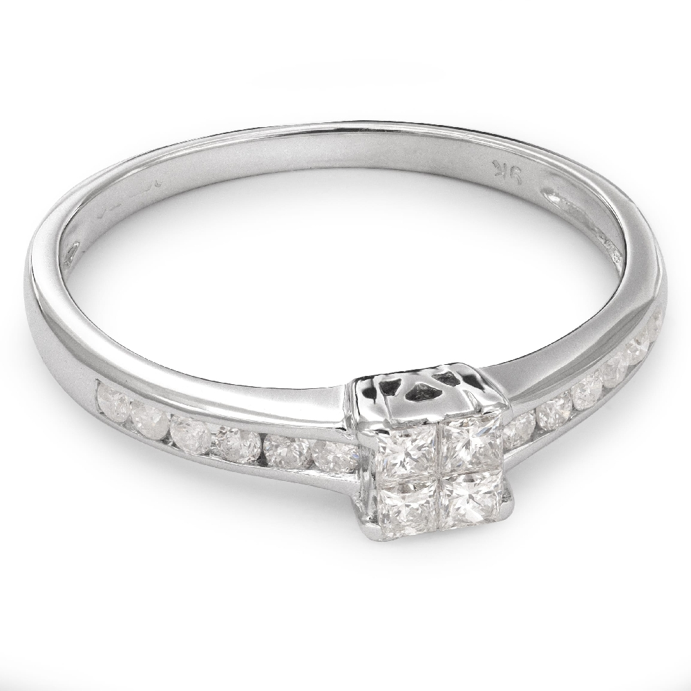 """Engagement ring with diamonds """"Princesses 30"""""""