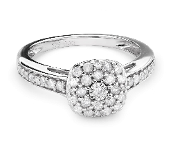 "Engagment ring with brilliants ""Bouquet of diamonds 38"""
