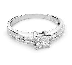 "Engagement ring with diamonds ""Princesses 44"""