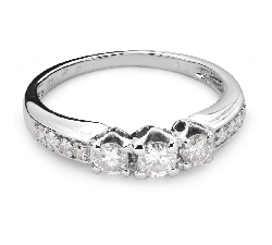 "Engagment ring with brilliants ""Trilogy 27"""