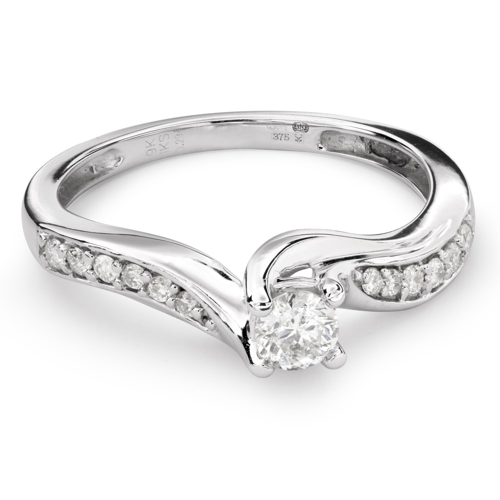 """Engagment ring with brilliants """"Hurricanes 27"""""""
