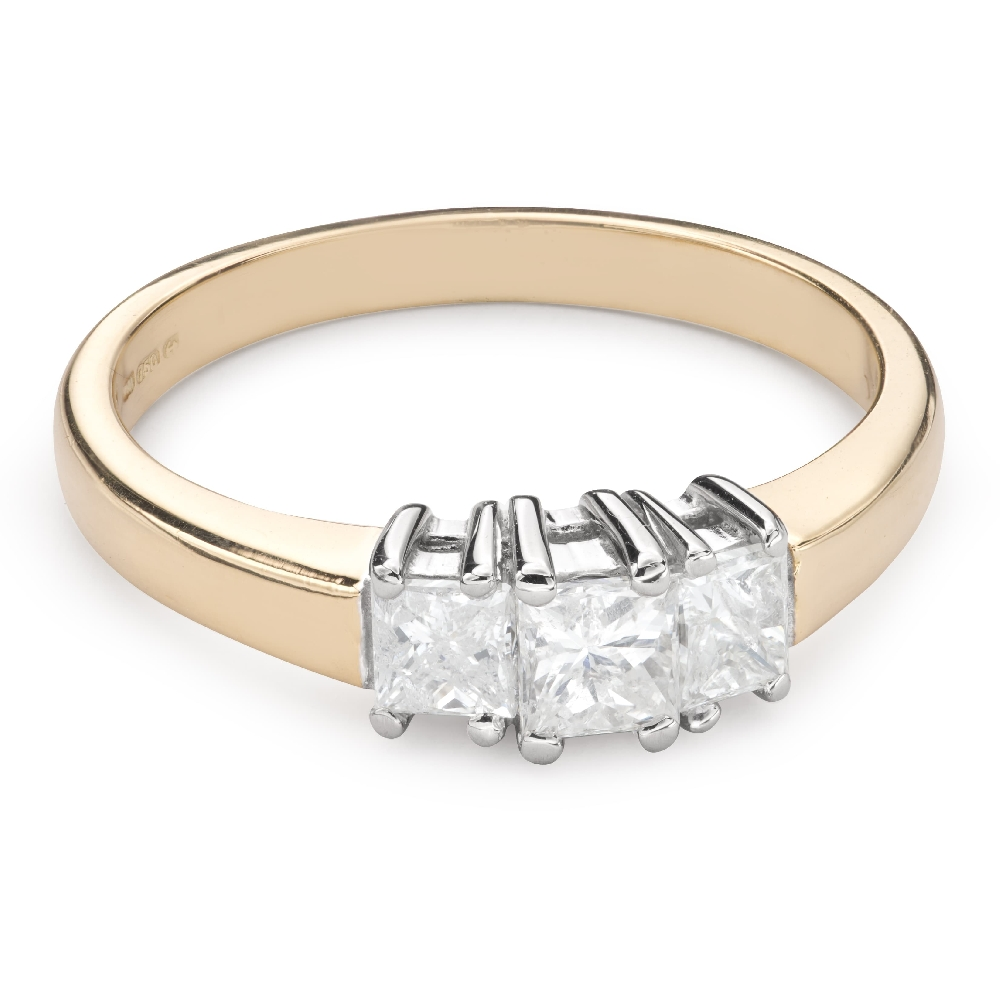 """Engagement ring with diamonds """"Trilogy 36"""""""
