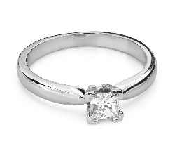 "Engagement ring with diamonds ""Princess 102"""