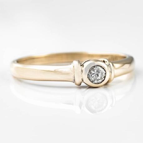 """Auksinis žiedas su Briliantu """"Apglėbtoji 5"""""""